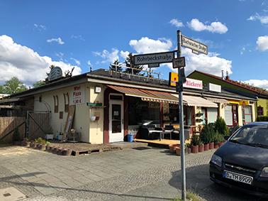 Läden an der Bacharacher Straße